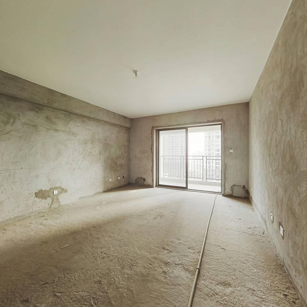 凤凰花城(一期)室2厅2卫2阳台